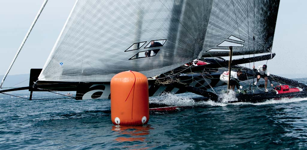 Alinghi en tête / 2011 / photo P. Schiller - myimage
