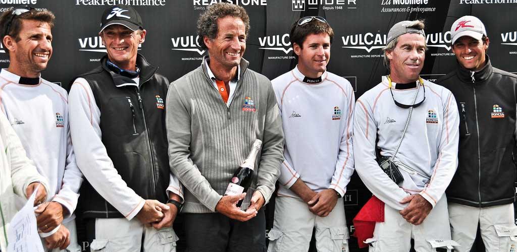 Michel Desjoyaux et l\'équipe de Foncia, grands vainqueurs du Trophée 2011 / photo S. Bonny